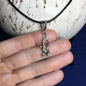 Tibetan Silver Textured Gecko Lizard Necklace